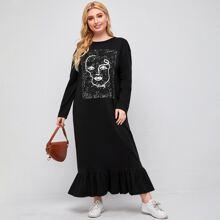Kleid mit Figur, Buchstaben Grafik und Schosschen