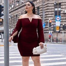 Schulterfreies Kleid mit V-Ausschnitt und Schlitz an Ärmeln