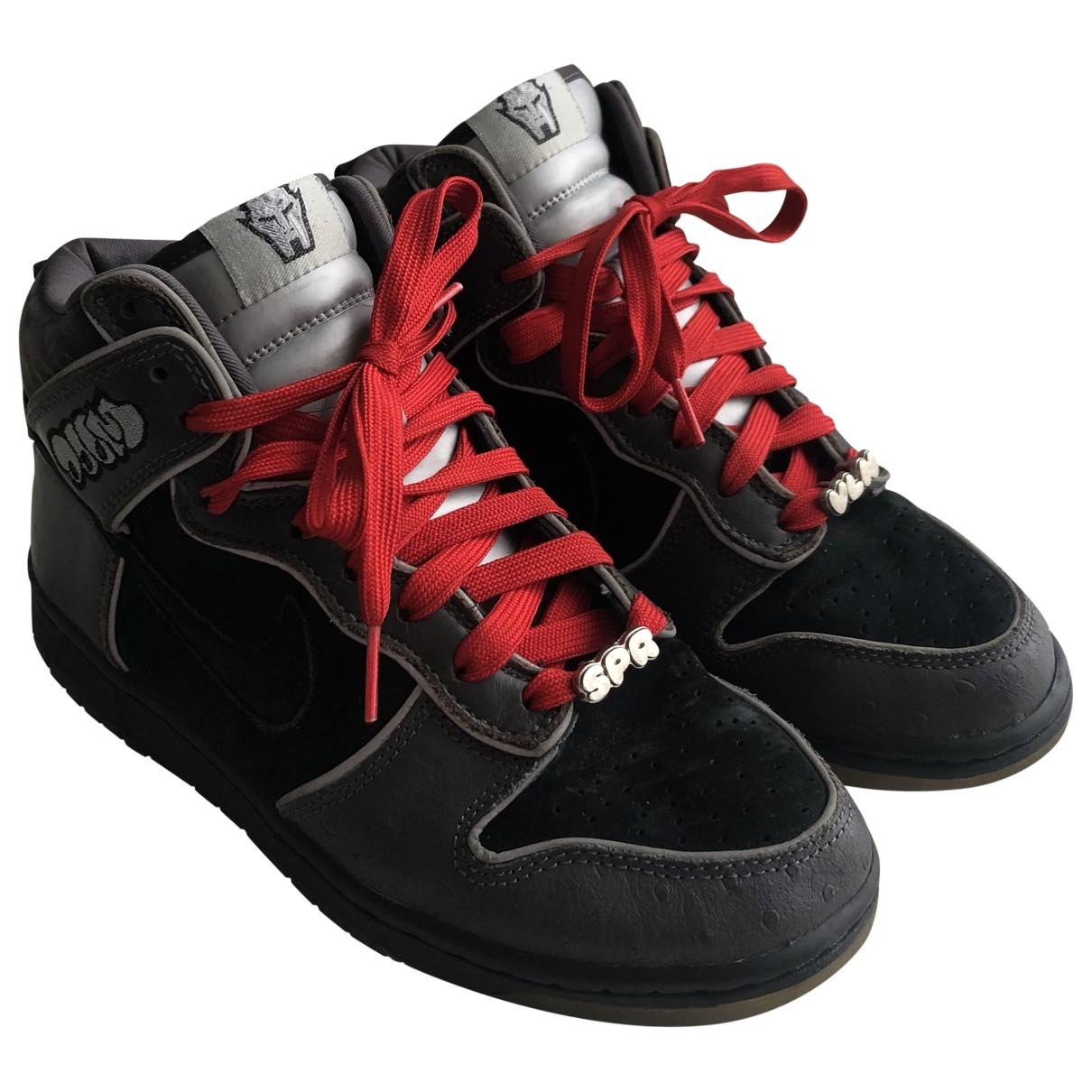 Nike - Baskets SB Dunk  pour femme en cuir - noir