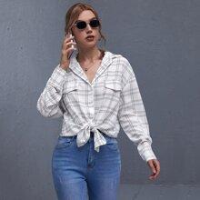 Lange Bluse mit gebogenem Saum und Karo Muster