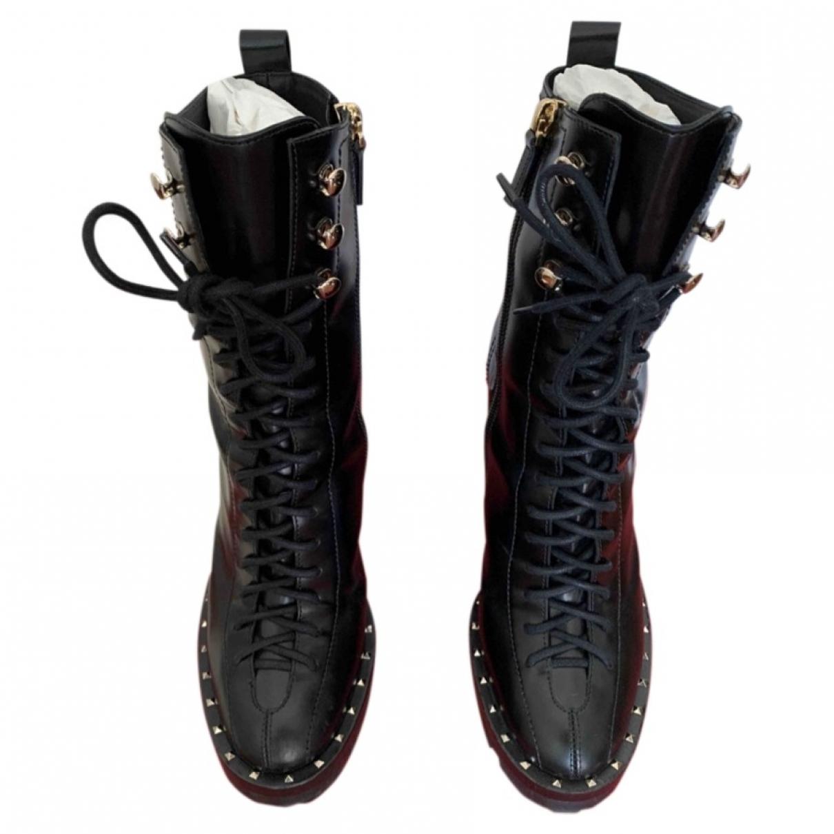 Valentino Garavani Rockstud Black Leather Boots for Women 37 EU