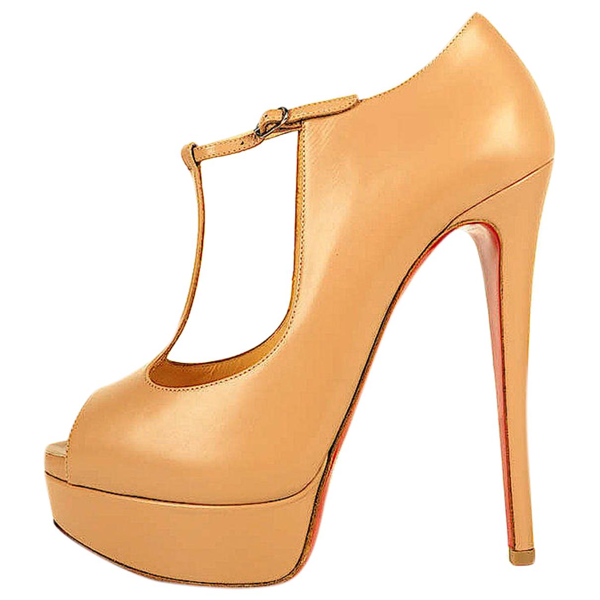 Christian Louboutin \N Beige Leather Heels for Women 40 EU