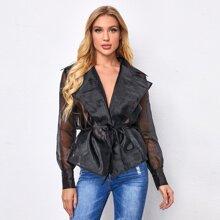 Mantel mit eingekerbtem Kragen, Organza und Guertel