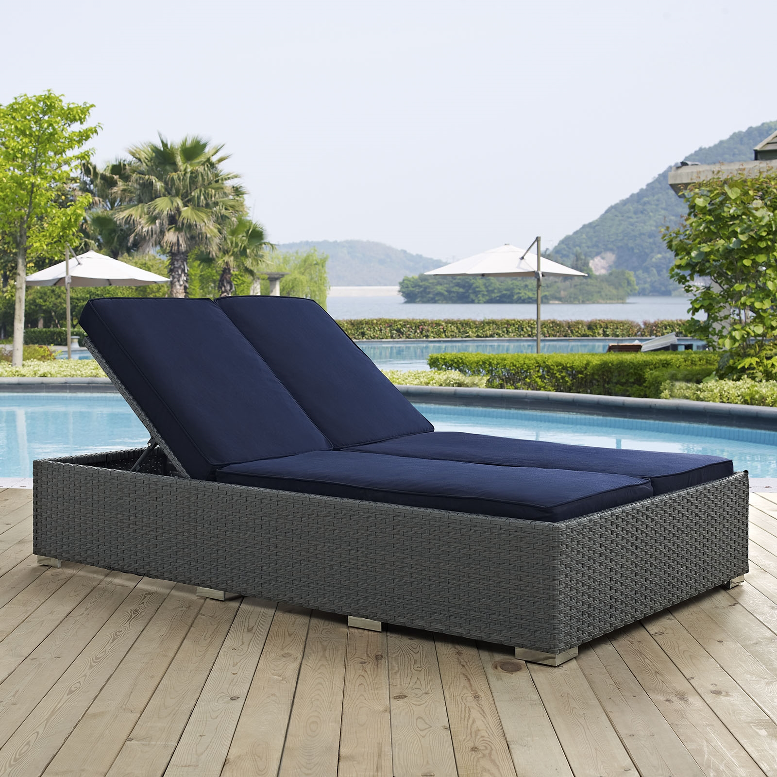 Sojourn Outdoor Patio Sunbrella® Double Chaise in Chocolate Navy
