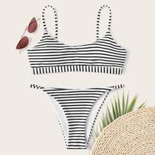 Bikini mit Streifen und Tanga
