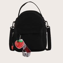 Rucksack mit Taschen vorn und Tasche Anhaenger