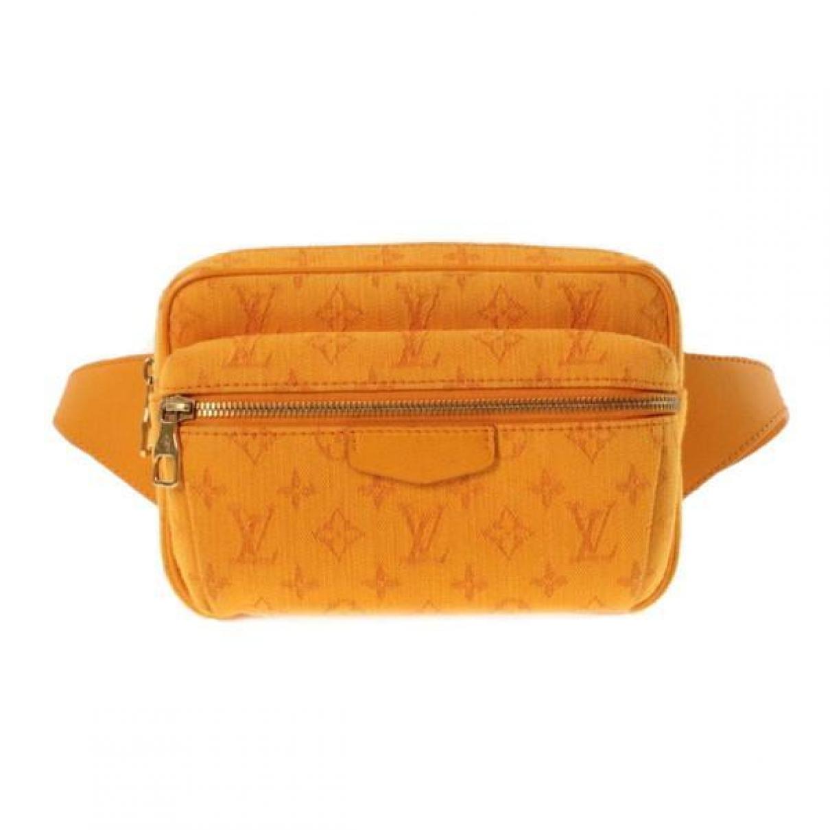 Louis Vuitton \N Clutch in  Orange Leinen