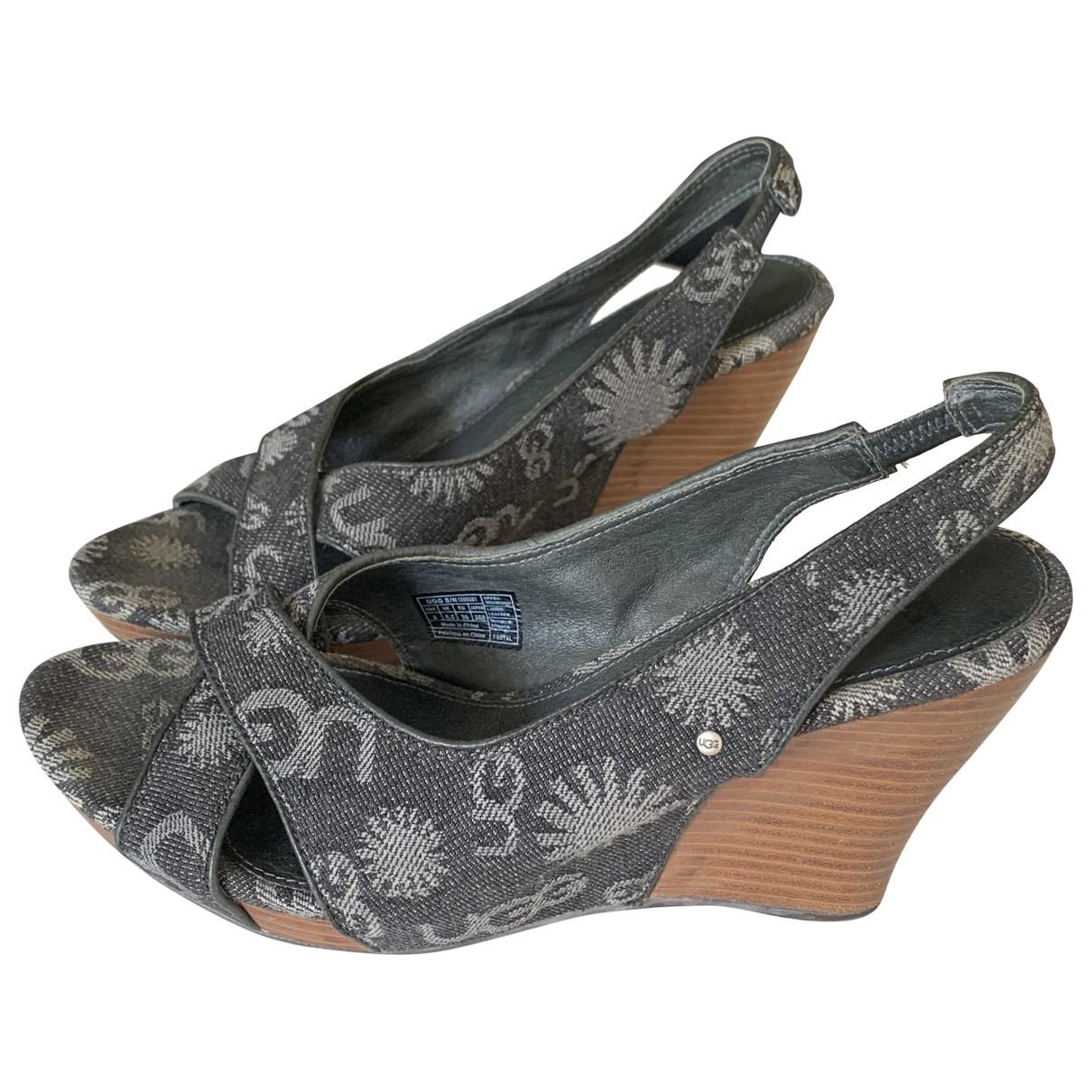 Ugg - Sandales   pour femme en cuir - noir