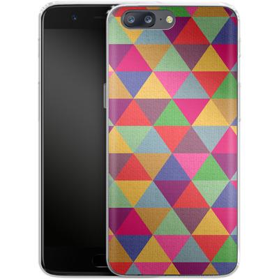 OnePlus 5 Silikon Handyhuelle - In Love With Triangles von Bianca Green