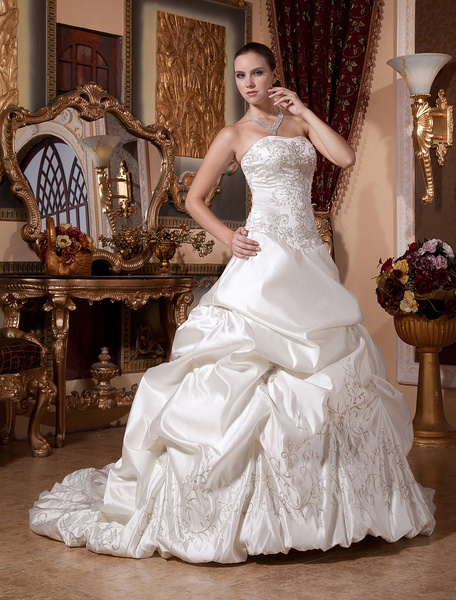 Milanoo Classic Court Train Ivory Wedding Dress with Ball Gown Strapless Beading