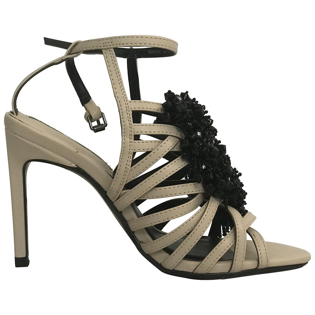 Zara \N Sandalen in  Beige Polyester