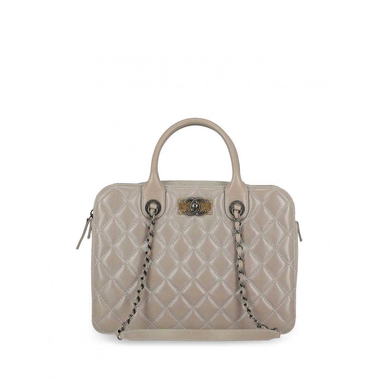 Chanel \N Handtasche in  Grau Leder
