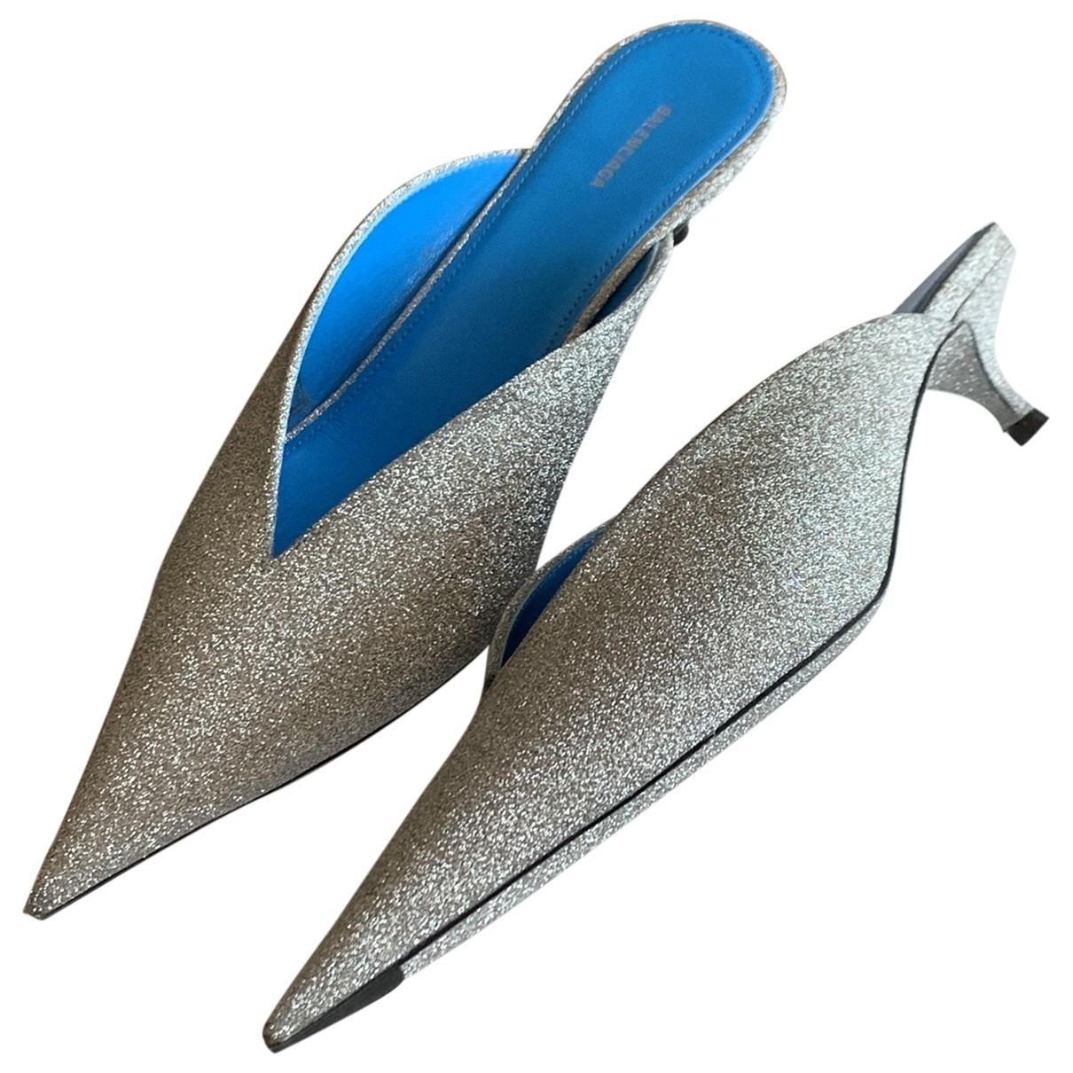 Balenciaga Knife Sandalen in  Silber Mit Pailletten