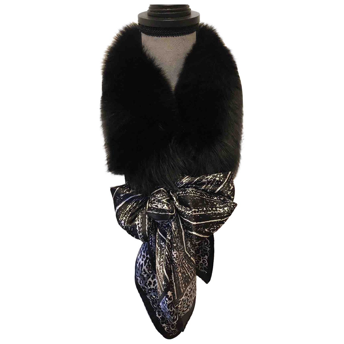 Non Signé / Unsigned N Black Fur scarf for Women N