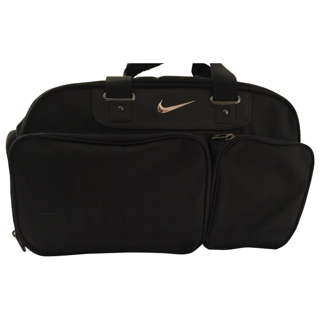 Nike \N Handtasche in  Schwarz Synthetik