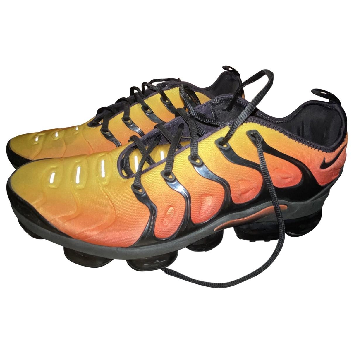 Nike - Baskets VaporMax Plus pour homme en toile - orange