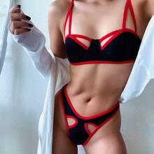 Bañador bikini con aro con abertura unido en contraste