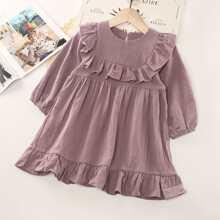 Kleid mit Rueschenbesatz