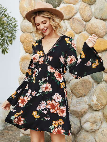 YOINS Black Random Floral V-neck Bell Sleeves Dress