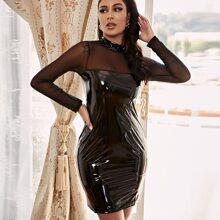 Vestido de charol sintetico de yugo de malla transparente
