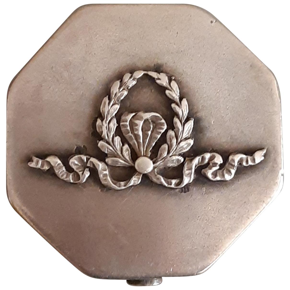 Non Signe / Unsigned \N Accessoires und Dekoration in Silber
