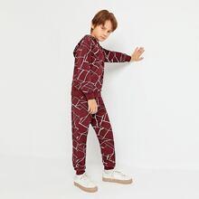 Conjunto capucha geometrica con pantalones