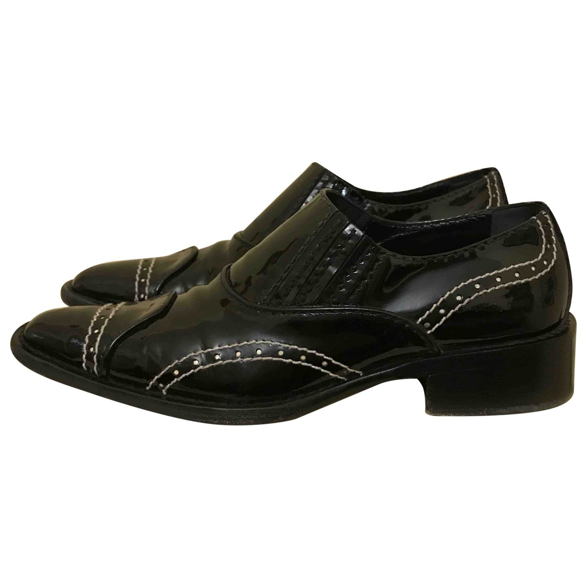 Giorgio Armani - Derbies   pour femme en cuir verni - noir