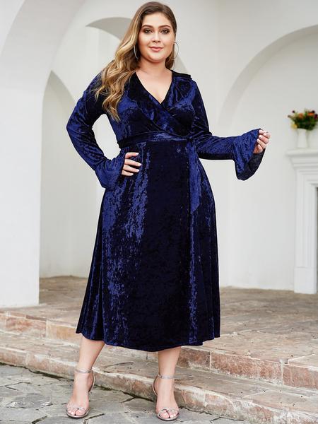 Yoins Plus Size Navy Wrap Design Velvet Dress