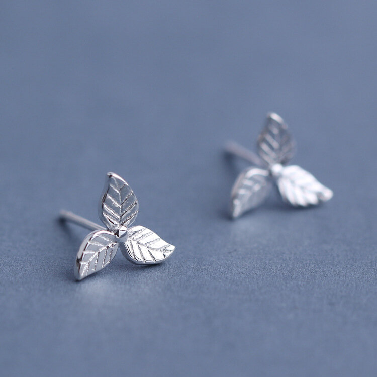 Sweet 925 Sterling Silver Earrings Fashion Leaf Simple Charm Stud Earrings Gift for Girls Women