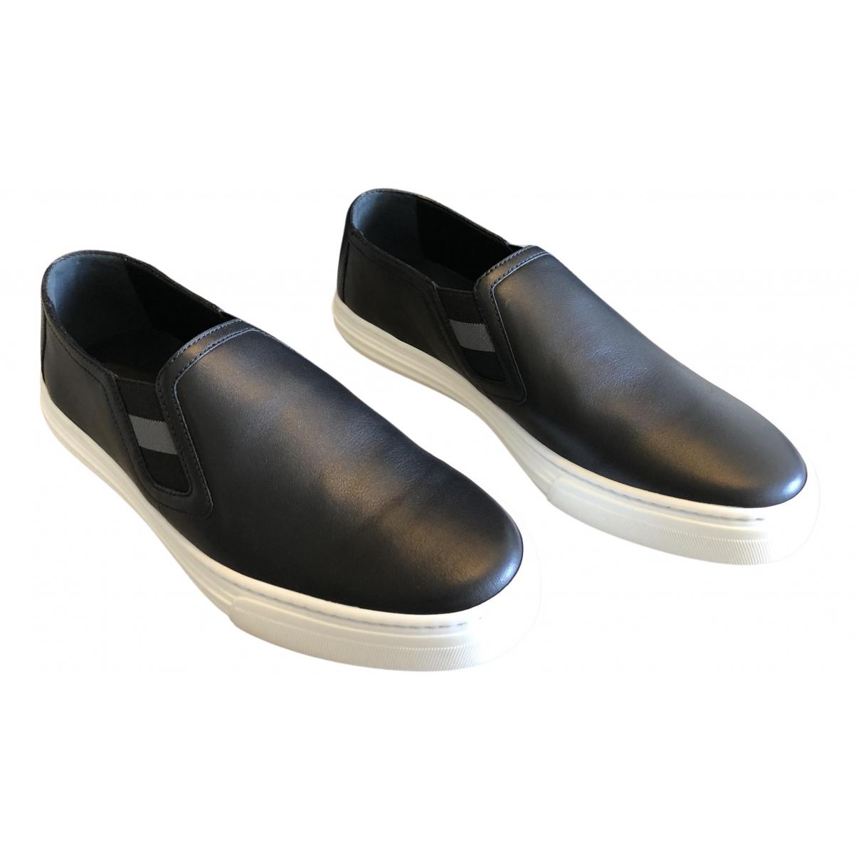 Gucci \N Sneakers in  Schwarz Leder