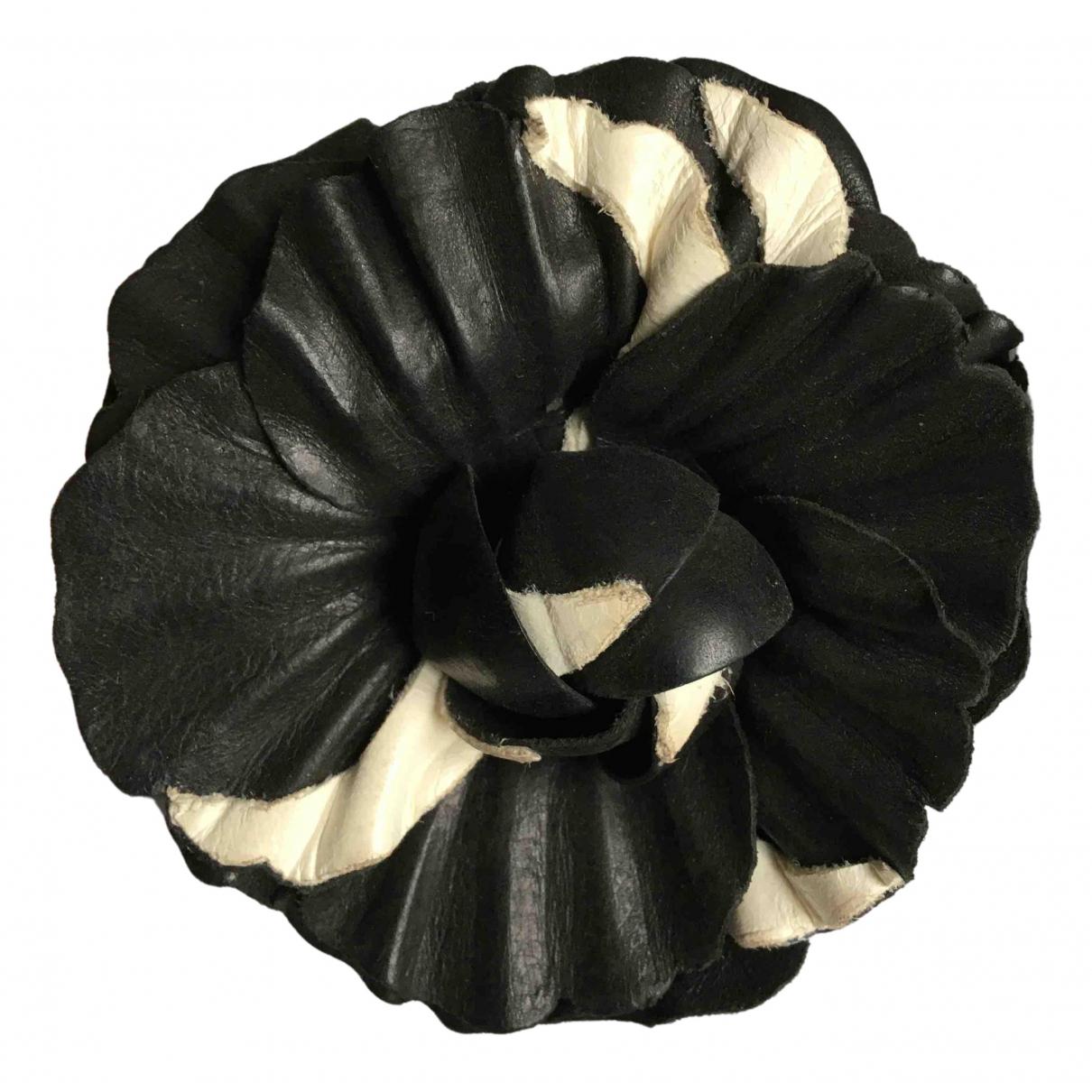 Chanel - Broche   pour femme en cuir - marine
