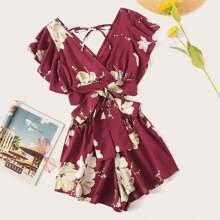 Oberteil mit Blumen Muster, Knoten am Saum, Schmetterlingaermeln und Shorts