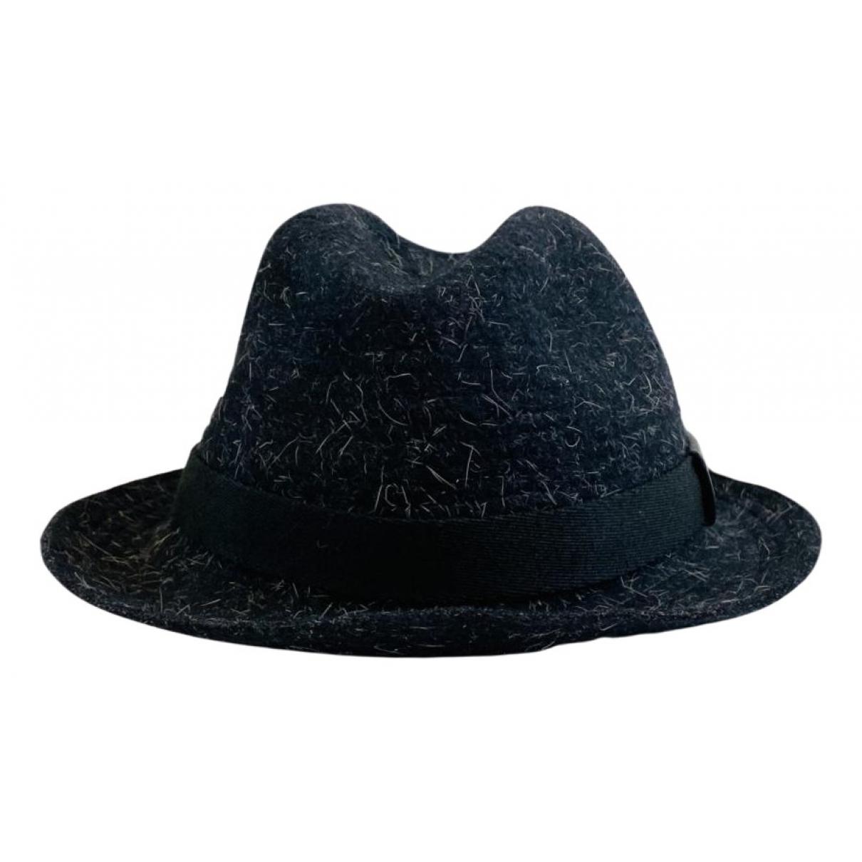 Gucci N Black Wool hat for Women L International