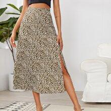 Falda con abertura lateral con estampado de leopardo