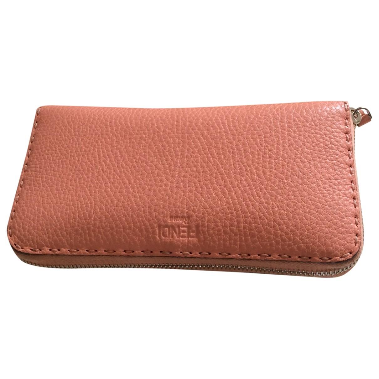 Fendi - Portefeuille   pour femme en cuir - rose
