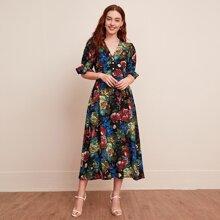 Kleid mit V-Kragen, Rueschen auf Manschetten und Blumen Muster