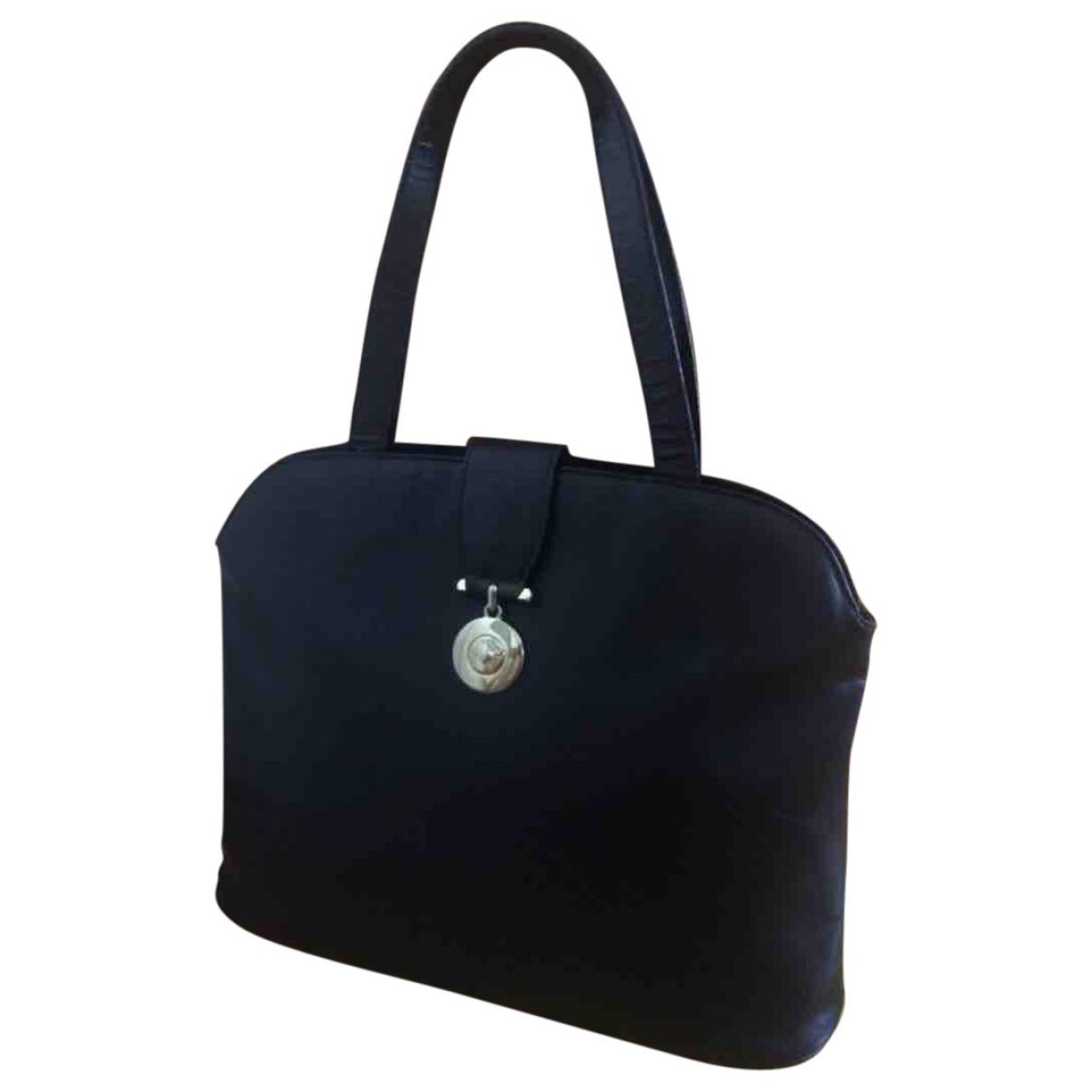 Givenchy \N Black Leather handbag for Women \N