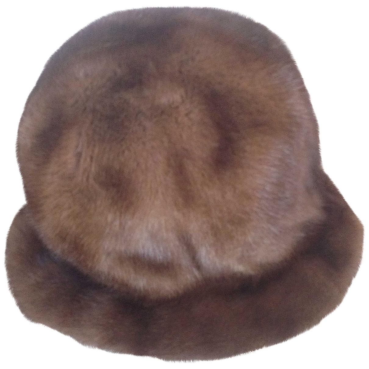 Non Signé / Unsigned \N Fur hat for Women 54 cm