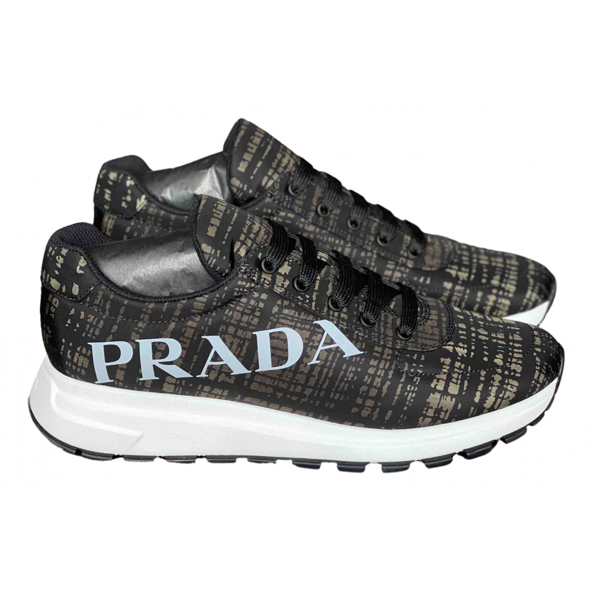 Prada \N Sneakers in Leder