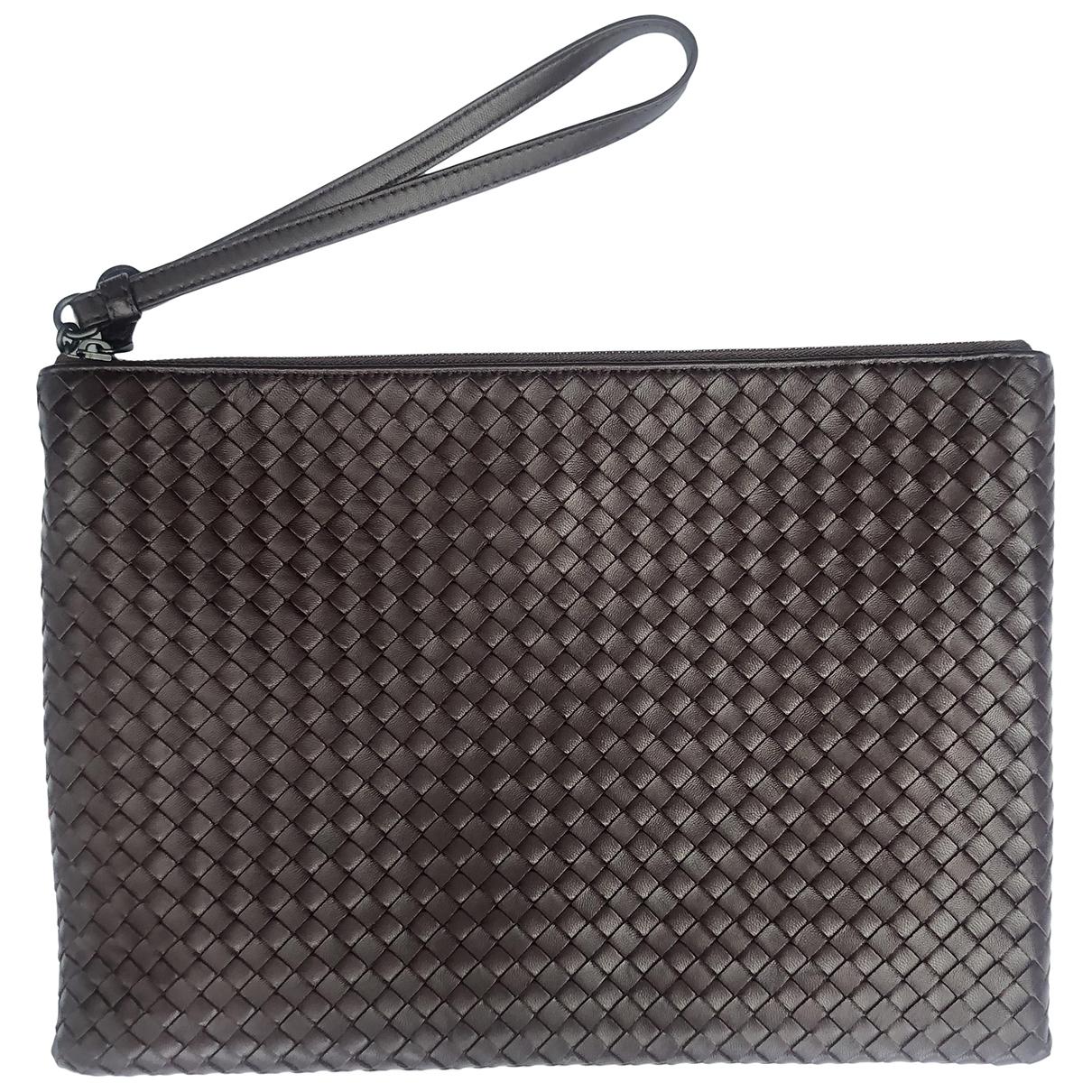 Bottega Veneta \N Burgundy Leather Clutch bag for Women \N