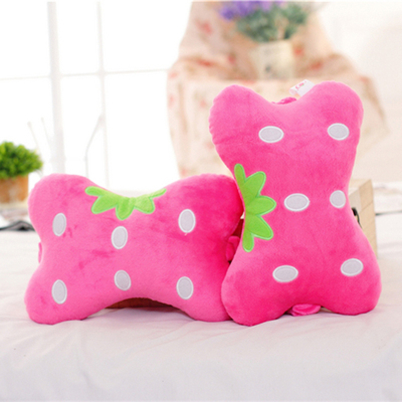 Attractive 1-Pair Red Strawberry Model Design Creative Car Headrest Pillow