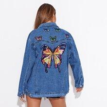 Chaqueta denim con mariposa con bordado de hombros caidos