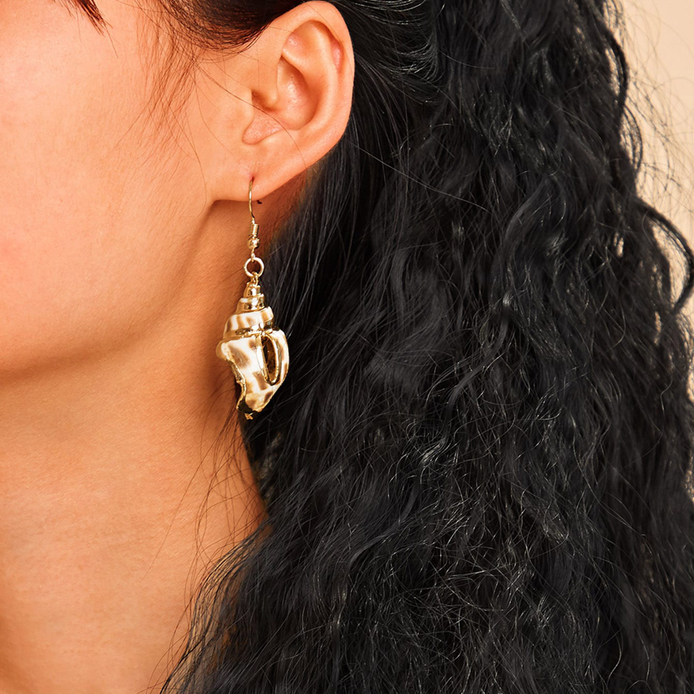 Bohemian Hollow Shell Pendant Earrings Metal Eardrop Ethnic Jewelry for Women