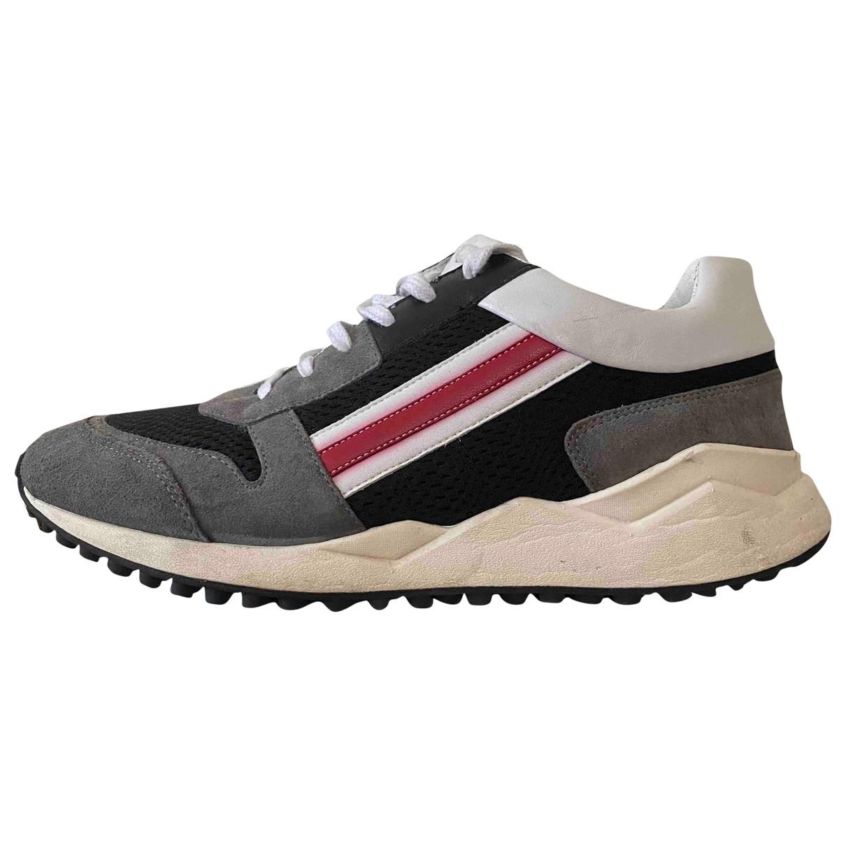 Moschino \N Sneakers in  Bunt Veloursleder