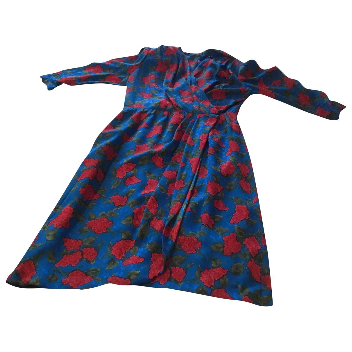 Non Signe / Unsigned \N Kleid in  Blau Seide
