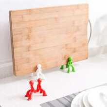 1pc Figure Shaped Random Color Chopping Board