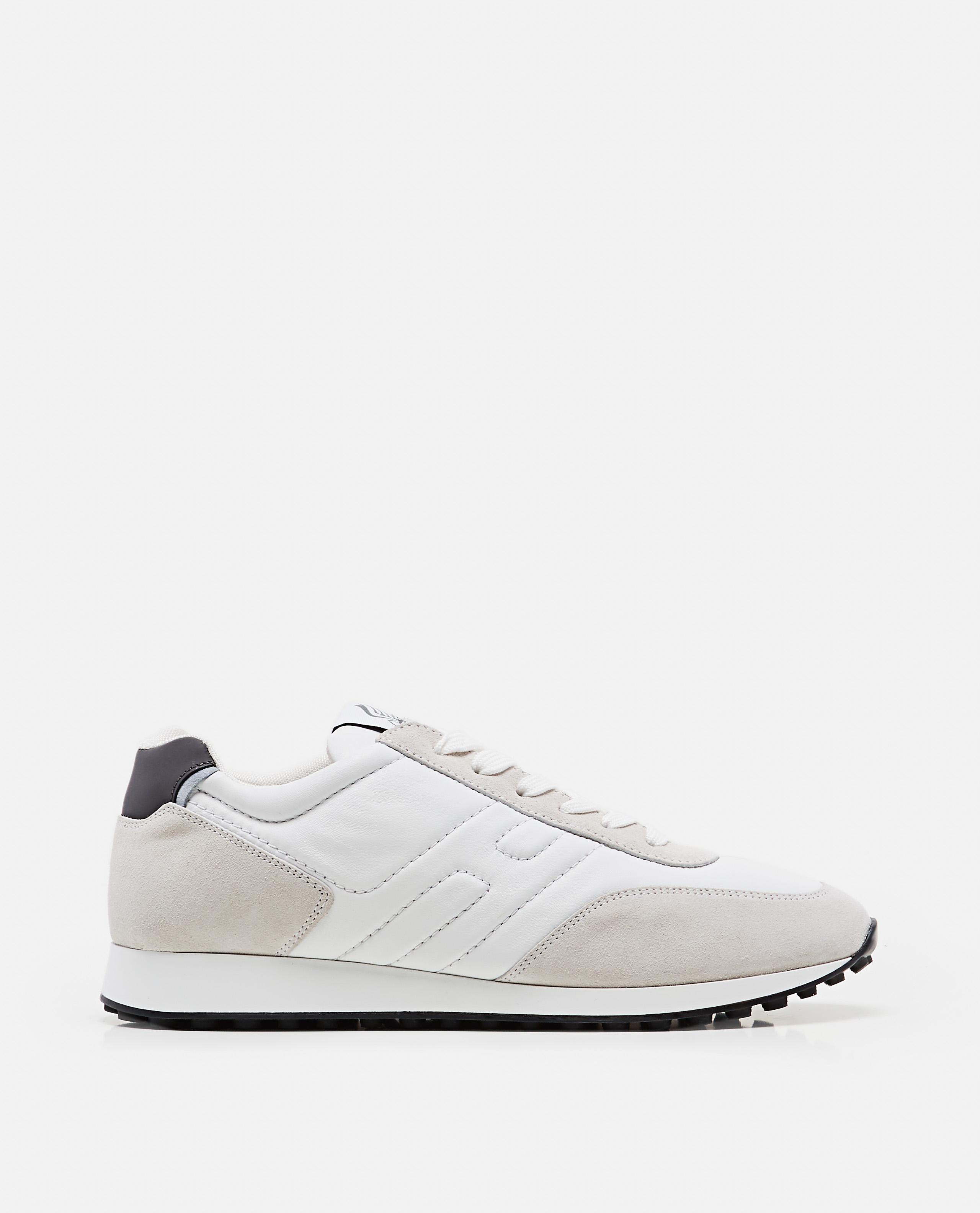 H383 sneakers