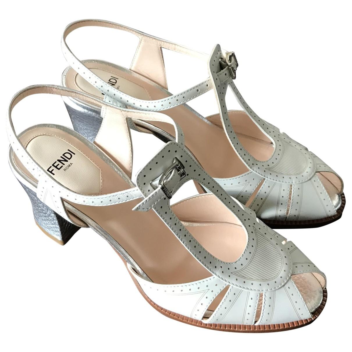 Fendi \N White Leather Sandals for Women 36 EU