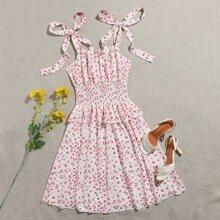 Cami Kleid mit Raffung auf Taille, Raffungsaum und Knoten