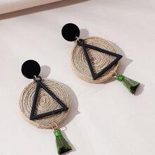 Dreieckige Ohrringe mit Quasten & Ausschnitt